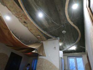 конструкция для двухуровневого натяжного потолка