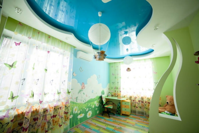 натяжной потолок в гипсокартонном коробе для детской