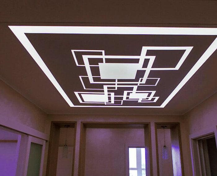 световые линии на потолке