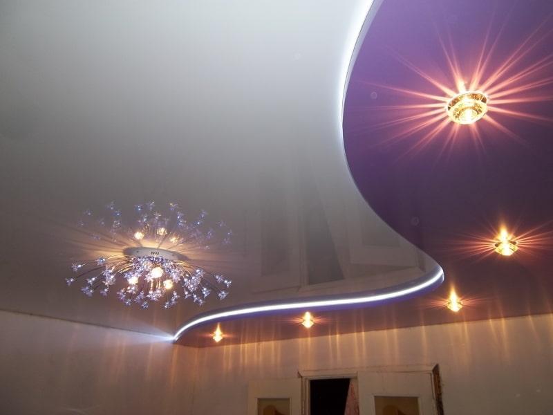 дввухуровневый потолок с LED-подвсветкой