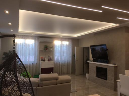 натяжные потолки с деекоративной подсветкой